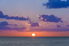 日落在加勒比海 免版税库存图片