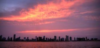 日落在卡塔赫钠de Indias哥伦比亚 免版税库存图片