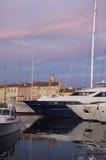 日落在圣特罗佩,法国海滨 库存照片