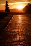 日落在城堡Montjuic屋顶的巴塞罗那  免版税库存照片