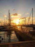 日落在小游艇船坞 免版税库存图片