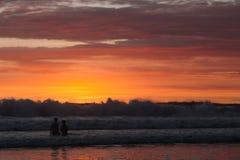日落在巴厘岛印度尼西亚 免版税库存图片
