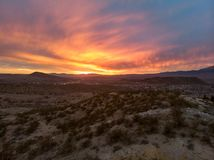 日落在死亡谷沙漠在美国 免版税库存照片