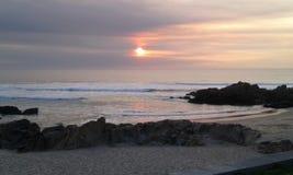 日落在波尔图市(葡萄牙) 库存图片