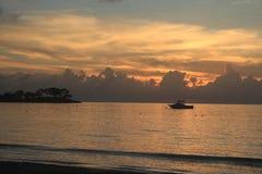 日落在牙买加,加勒比海 免版税库存图片