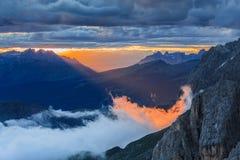 日落在白云岩阿尔卑斯,意大利 免版税库存照片