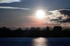 日落在秋天在11月 库存照片