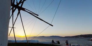 日落在米科诺斯岛海岛 免版税库存照片