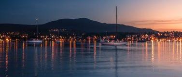 日落在纳奈莫港口 库存照片