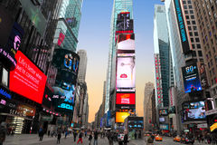 日落在纽约时常摆正 免版税库存图片