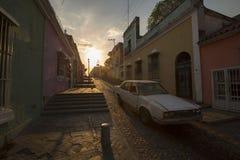 日落在老殖民地市玻利瓦尔城,委内瑞拉 免版税库存图片