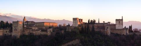日落在阿尔罕布拉宫 库存照片