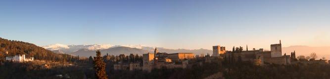 日落在阿尔罕布拉宫 免版税库存图片
