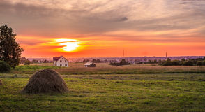 日落在陶格夫匹尔斯,拉脱维亚 免版税库存照片