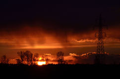 日落在雨中 免版税库存图片