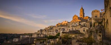 日落在马泰拉,意大利 库存图片