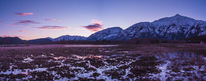 日落在Caleta Tortel 免版税图库摄影