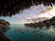 日落在Moorea,波里尼西亚 库存图片