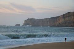 日落在Nazaré -葡萄牙 免版税库存照片