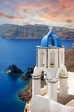 日落在Oia -圣托里尼海岛,基克拉泽斯在希腊 免版税库存照片