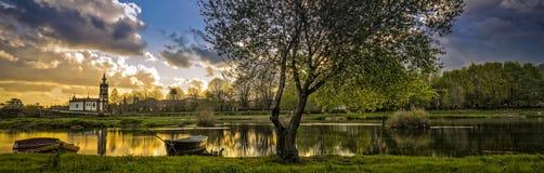 日落在Ponte de利马村庄  库存图片