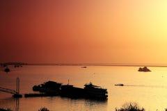 日落场面秀丽在洞庭湖 免版税库存照片