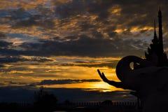 日落大象雕象 图库摄影