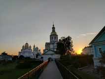 日落太阳光和通告大教堂在Diveyevo 免版税库存照片