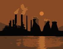 日落或日出在城市 橙色光 管子烟 核电站,供暖设备 向量 免版税库存图片