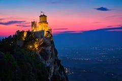日落时间的圣马力诺 免版税库存照片