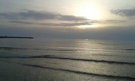 日落海在维亚雷焦 库存图片