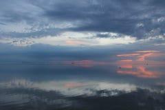 日落海洋反射 库存图片