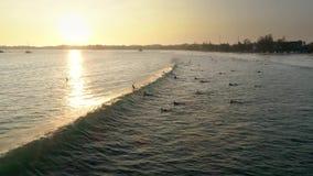 日落海浪波浪全景海洋慢动作天线4k 股票视频