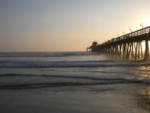 日落海浪 库存照片
