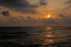 日落海海滩 免版税库存照片