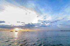 日落海滩,轰隆Phra 图库摄影