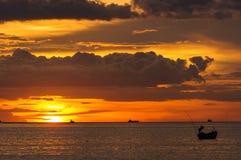 日落海滩,轰隆Phra 免版税库存照片