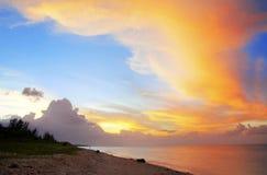 日落照片拍在海滩 库存照片