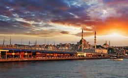 日落的伊斯坦布尔,土耳其 免版税库存图片