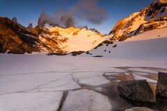 日落的光芒的费兹罗伊 巴塔哥尼亚 图库摄影