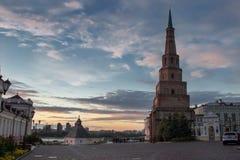 日落的克里姆林宫广场在喀山 库存照片