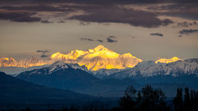 日落的勃朗峰 库存图片