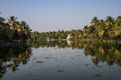 日落的喀拉拉死水,从Alleppey的奎隆,喀拉拉,印度 库存照片