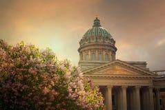 日落的圣彼德堡,俄罗斯喀山大教堂 库存照片