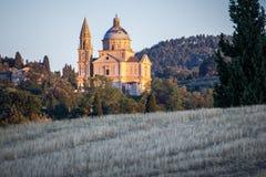 日落的圣比亚焦教会在Montepulciano,托斯卡纳之外 免版税库存图片