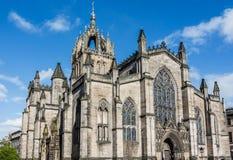 日落的圣Giles的大教堂,爱丁堡,苏格兰 免版税图库摄影