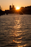 日落的塞纳河 免版税库存照片