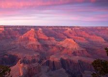 日落的大峡谷国家公园在冬天有从南外缘的一个看法 库存图片