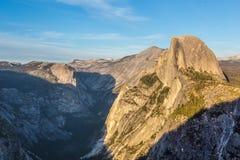 日落的尤塞米提谷在优胜美地 库存照片