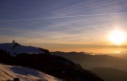 日落的山全景在从利古里亚appennines的冬天 图库摄影